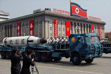 В КНДР назвали полеты американских бомбардировщиков толчком к ядерной войне       Северная Корея прокомментировала маневры американских бомбардировщиков в Южной Корее в рамках учений ВВС страны. «Эта безрассудная военная провокация подталкивает ситуацию на Корейском полуострове к ядерной войне», — говорится в заявлении северокорейского агентства ЦТАК.