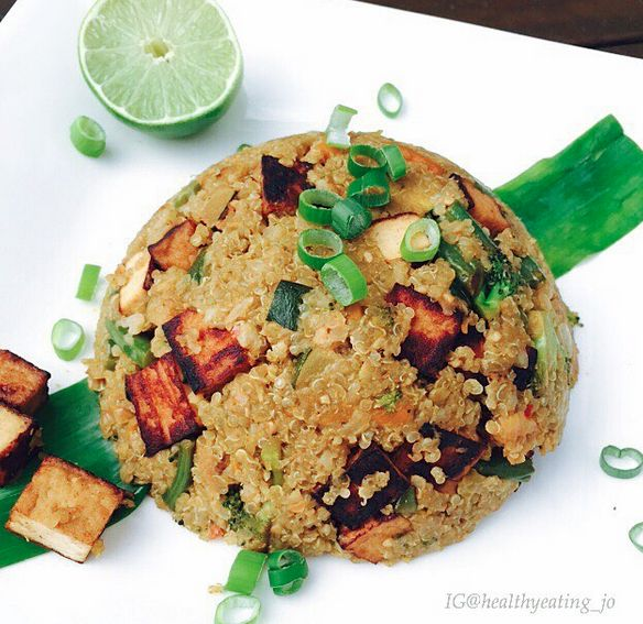 Spicy Matcha Quinoa Fried 'Rice' with Tofu by @healthyeating_jo | Sweeter Life Club