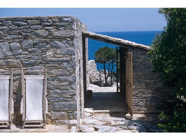 Greek Eremus by architect Katerina Tsigarida  Nicolas Mathèus/Photodepartments