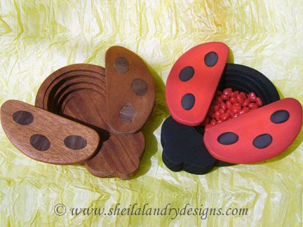 SLD308 - Collapsible Lady Bug Candy Dish with Swivel Wing Top