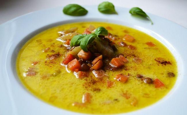 Zupa z soczewicą, marchewką i cynamonem