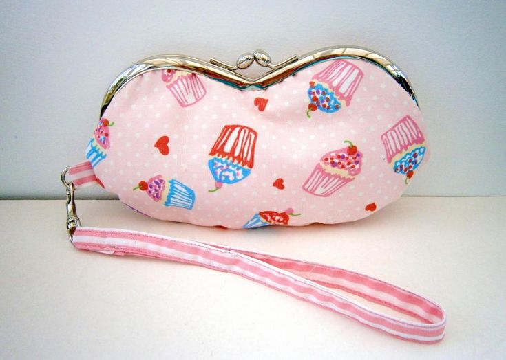 Wristlet Purse or Glasses Case: Cluch Bags Purses, Wristlets Pursesunglass, Cupcakes Wristlets, Cases 10 00, Cute Girls Glasses Cases, Random Stuff, Cases 9 00, Pursesunglass Cases, Cases 14 00
