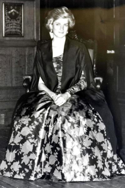 October 26, 1988: Princess Diana is admitted as an Honorary Barrister by the Honorable Society of the Middle Temple in London. Princess Diana also wore this dress: Nov, 10, 1988: at a dinner hosted by the British Ambassador, British Embassy in Paris, France. Princess Diana also wore this dress at 10 Downing Street at an event with Margaret Thatcher Nov 01,  1989, but with a pearl necklace.