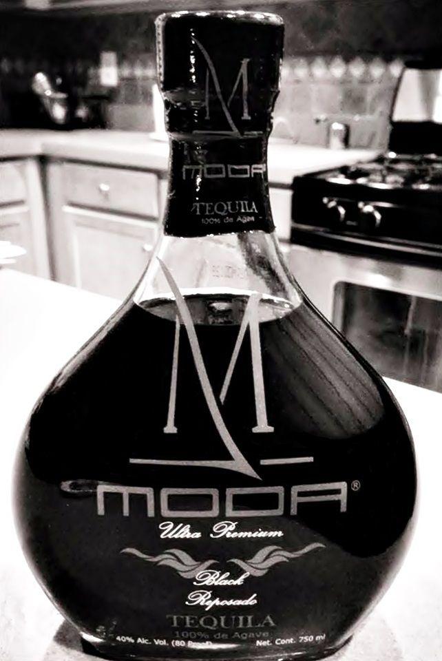 Moda Black Tequila