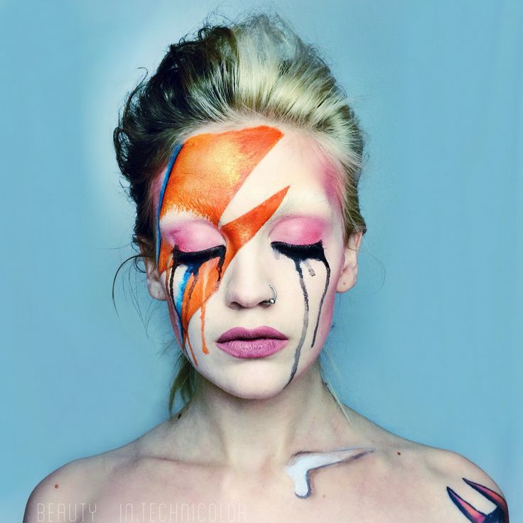 David Bowie tribute by Haley Mariah Tuesday. Ig: @ beauty.intechnicolor // Aladdin sane, Ziggy stardust makeup. Crying makeup.