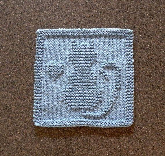 Knit Dishcloth CAT / KITTEN / HEART. Hand by AuntSusansCloset.  This kitty has found a new home.  ♥