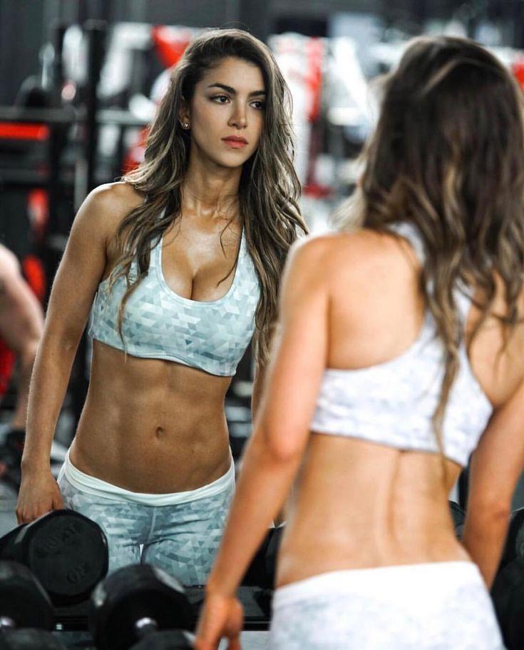 """좋아요 199.8천개, 댓글 841개 - Instagram의 •ANLLELA SAGRA•(@anllela_sagra)님: """"Look at the mirror, that's your competition ✖️YOU VS. YOU ✖️ @bodyengineersofficial…"""""""