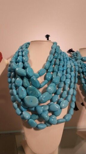 Collana in turchese naturale dell'Arizona lavorate a mano nel laboratorio artigianale di Alessio Sorrentino