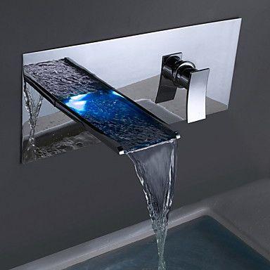 Modern Muurbevestigd LED Waterval with Keramische ventiel Single Handle twee gaten for Chroom Badrandkranen Wastafelkranen