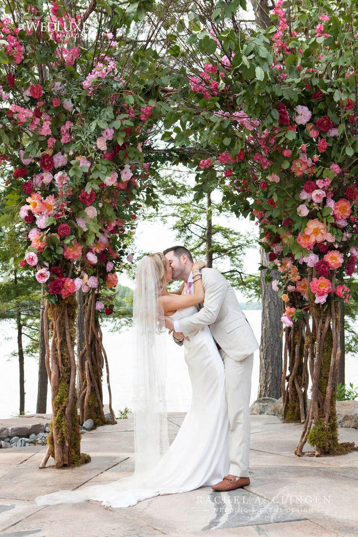 Stunning floral tree canopy, chuppah by Toronto Wedding designer Rachel A. Clingen. Photograph by @5ive15ifteen