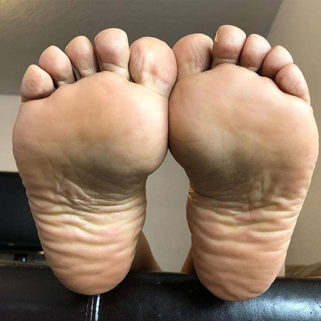 Meaty wide soles