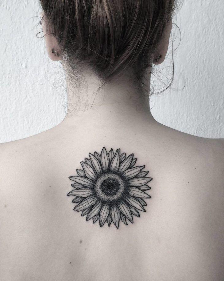 Tatuagem feminina nas costas: 200 fotos apaixonantes (a 90 é INCRÍVEL!) | Tatuagem, Tatuagens, Tatuagem olho