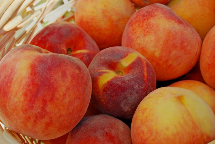 Peaches! - Consumer Reports suggests what organic vegetables and fruits are worth the extra money.