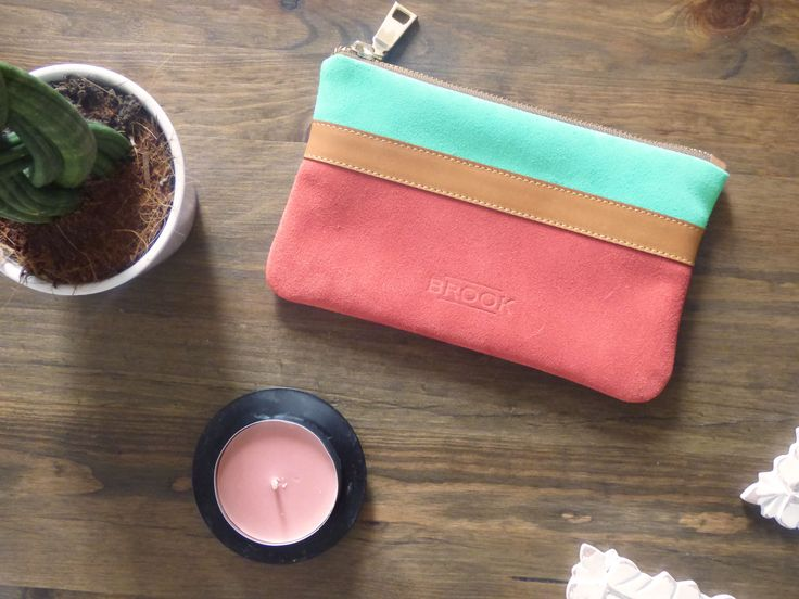 Clutch..Mini..Suede Leather..