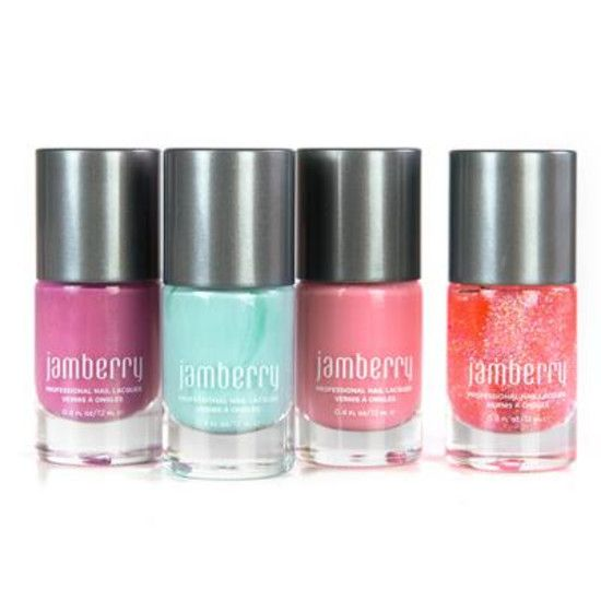 Perfect for every princess‹ accessorize with a tiara and let your happily ever after begin. Includes: Mulberry, Morning Mist (exclusive), Flirt, and Glitter Effect Top Coat.