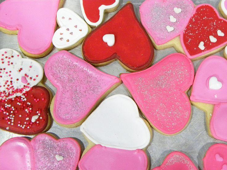 Festeja con tus amigos este día tan especial. Decora cada galleta de forma creativa y única.