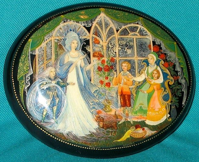 """Unique """"Snow Queen"""" Russian Hand Painted Palekh Lacquer Box 