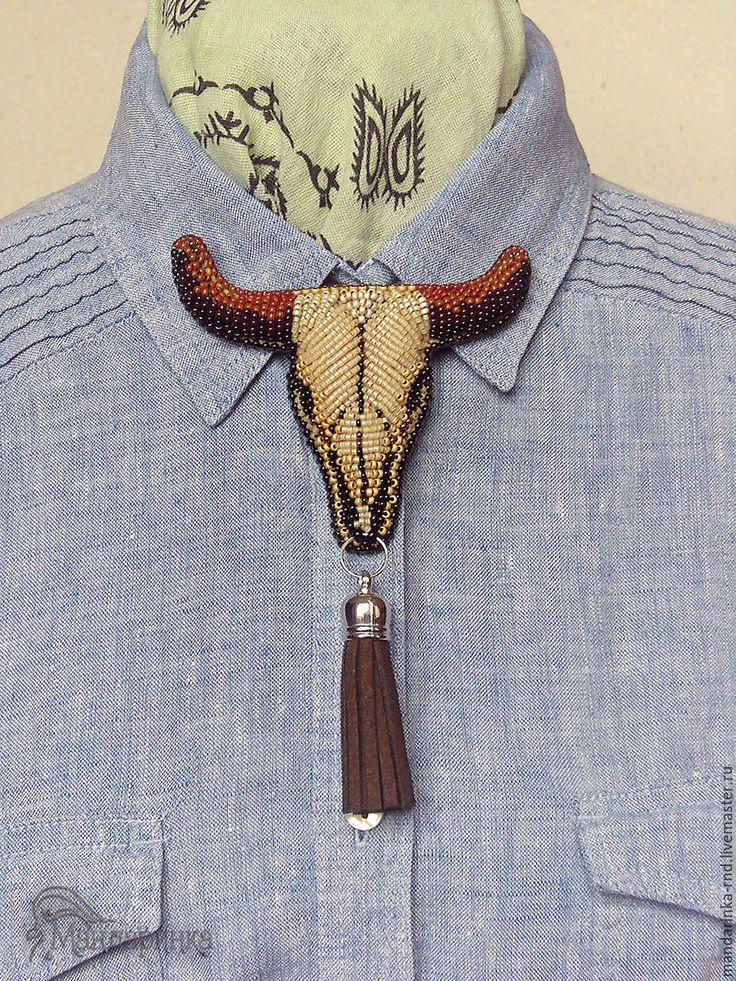 Купить Брошь-галстук из бисера Череп буйвола - бежевый, череп буйвола, брошь из бисера
