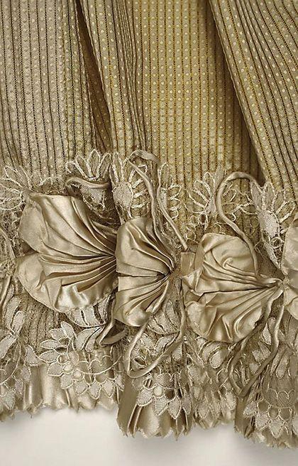 Afternoon dress, detail, silk, 1814. Metropolitan Museum of Art.