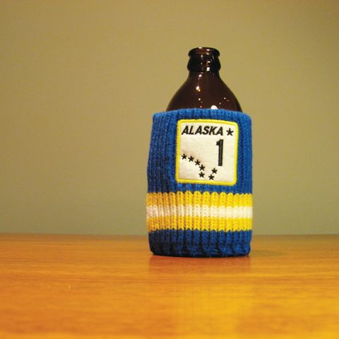 The Drink Toque - Yukon or Bust  Classic, vintage-style, knit koozie. Iconically Canadian.