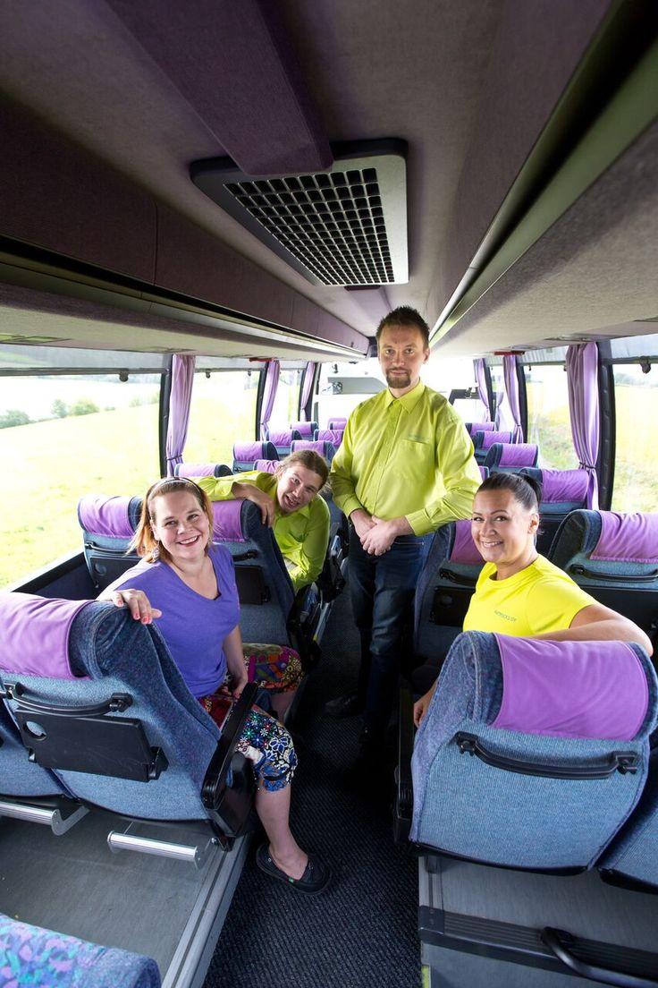 Matti-bussista kuvaa sisältäpäin ja aina ilolla palveleva henkilökunta! #matrocks #mattibussi  Kuva: Rami Marjamäki