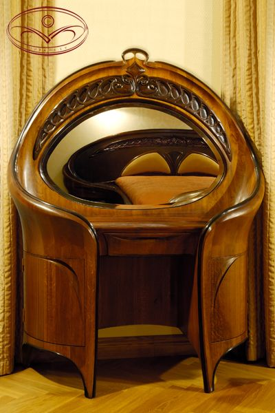 Jury Moshans' Toilet Little Table, That is part of the Magnificient Nouveau(or what he refers to as modern) Hand Crafted Oak Bedroom Suite.  Joiner's works:  Janis Straupe's workshop.