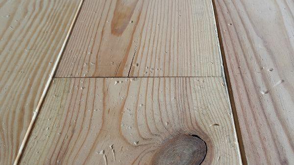 verouderde grenen vloer http://belat.be/