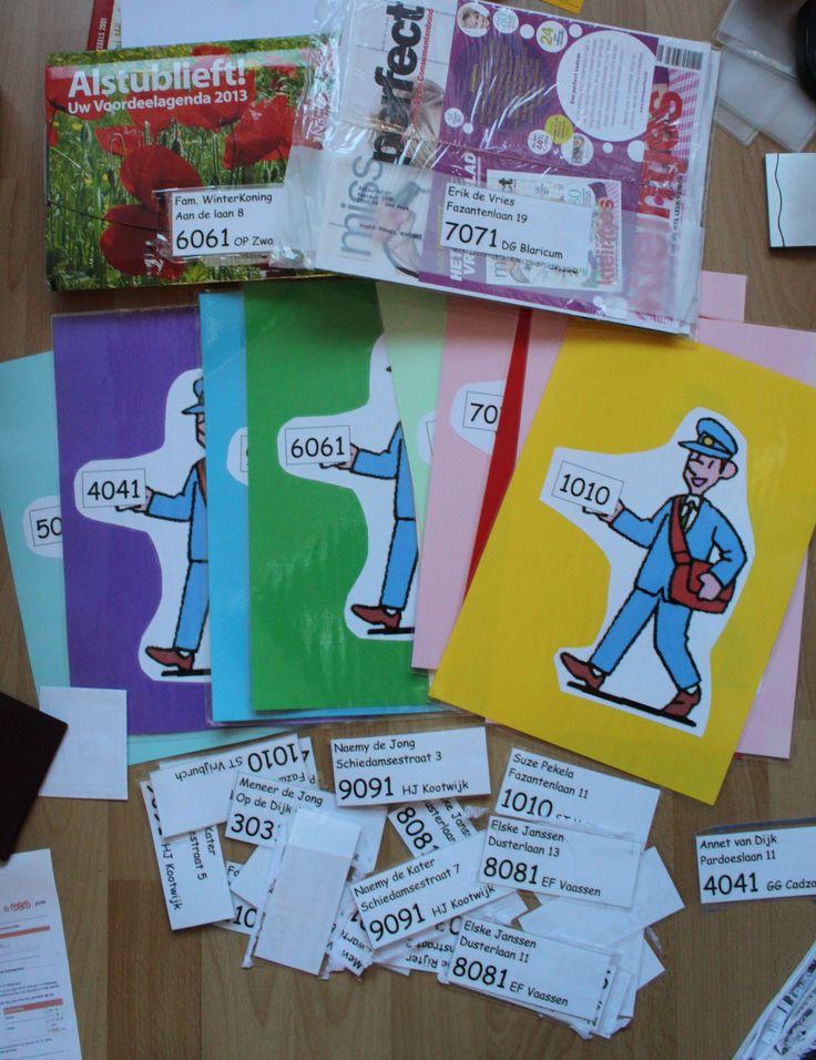 Een activiteit met het zoeken naar de juiste postcode. Er zijn 10 postbodes met oplopende postcodes van 1 tot en met 10. Plak een kopie op verschillende poststukken. bv op kaarten, reclame materiaal, kranten, pakjes , enveloppen. Als postbode breng je de pakketten en brieven naar de juiste postcode.