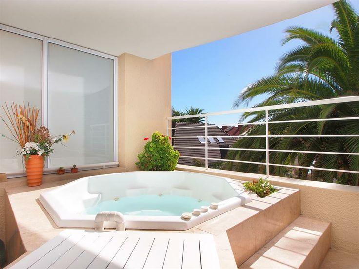 3 bedroom House for rent in Bantry Bay | Knight Frank Holiday Rentals