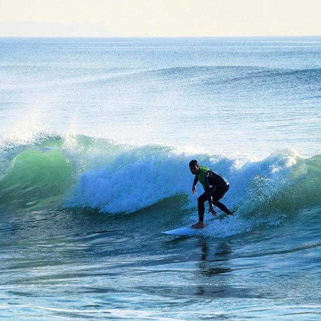 #lisbon #portugal #lisboa #beach #waves #ocean #sport #surfing #surfer #surf #sea #watersports #water #intatravel #travelgram #paradise #traveling #adventure #erasmus #erasmuslife (at Costa De...