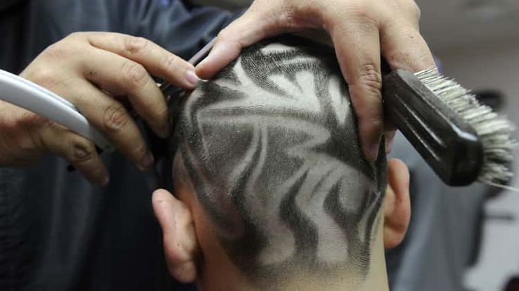 Willy Ruiz attracts attention with creative haircuts