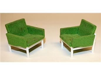 2 gröna fåtöljer till dockskåp, Brio från ca 1970-talet