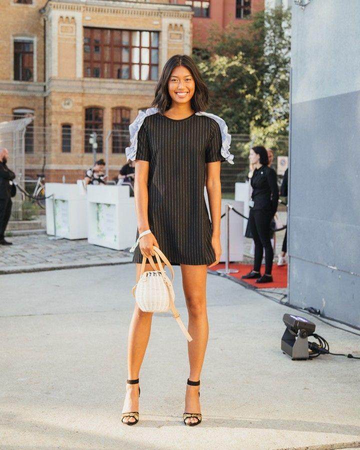 @anuthida sieht einfach super-ober-mega-hammer aus in ihrem Zara-Look!  ( by @kapturing) #mbfw #fashionweekberlin #streetstyle #fashion