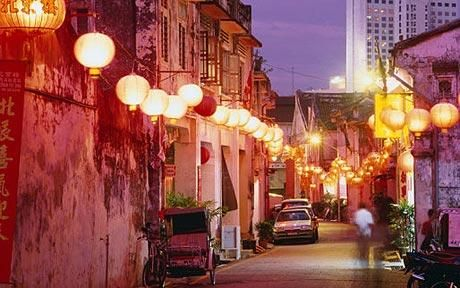 Malacca's Chinatown is beautifully lit with red lanterns as the lunar new year draws near