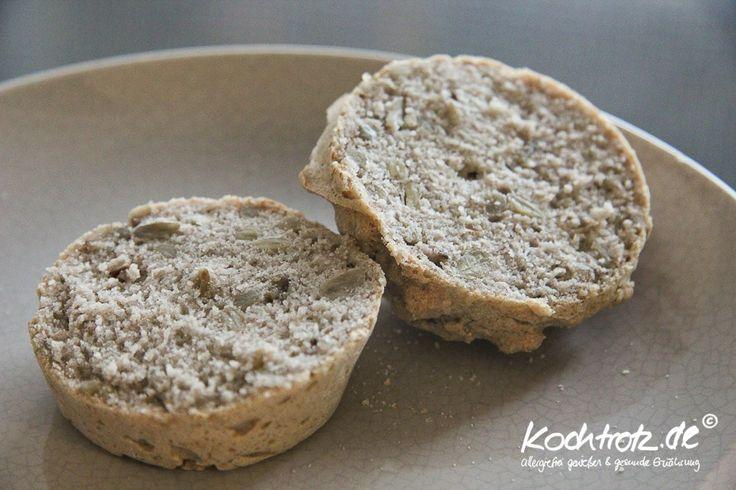 Buchweizen-Brötchen ohne Hefe, glutenfrei | kochtrotz - Rezepte für Gluten-Unverträglichkeit, Fructose-Intoleranz, Laktose-Intoleranz, Histamin-Intoleranz, Zöliakie, Sorbit-Intoleranz, jetzt auch vega (Paleo Breakfast)