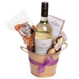 White Wine and some nibbles for your mom this Mother's Day. Get this gifts for her and make her smile. Mother's Day Gifts are delivered to Sydney, Melbourne, Brisbane - Australia Wide #MothersDay #GiftsForHer #GiftsUnder60 #WineHampers