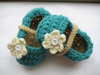 Flowered baby girl shoes.