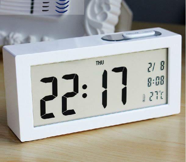 Простой большой экран из светодиодов часы крупный шрифт электронные часы персонализированные серебристых ночных часов офис настольная лампа часы