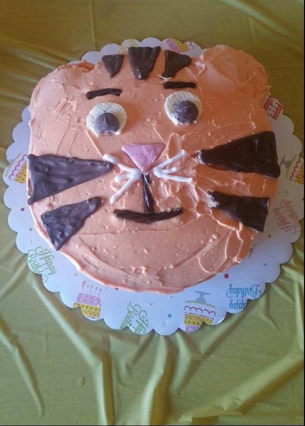 Un gâteau amusant et savoureux pour la fête d'anniversaire de votre enfant, Daniel Tiger!   – Tasty Tuesdays at Creative K Kids