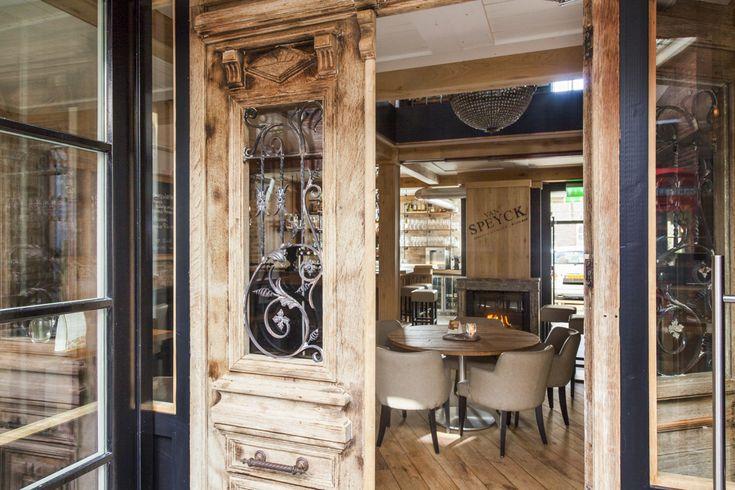 Wijnbar | Grand Café interieur Van Specyk | Industrieel Interieur - Interieurbouw | Barbouw op maat | Horecameubilair | Industrial Interior Design | Oudewater