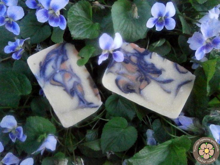 Keleti fuvallat nevet kapta ez a szappan, Ázsia csodálatos világát idézi a rózsa, grapefruit és levendula harmonikus kompozíciója