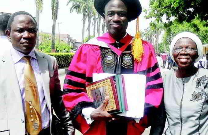 Fort de ce succès, il est admis à l'université de Bangui dans les filières mathématiques et physique ; obtenant trois ans plus tard simultanément deux licences dans les deux disciplines. Il poursuit ses études séparément dans les deux filières et obtient à 19 ans deux masters. En cela