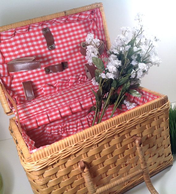The 25+ best Picnic baskets for sale ideas on Pinterest | Doilies ...