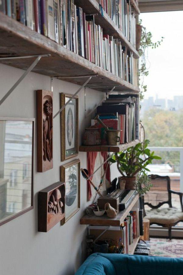 estante de madera en bruto con-muchas-de-libros ------------ etagère bois brut avec-beaucoup-de-livres