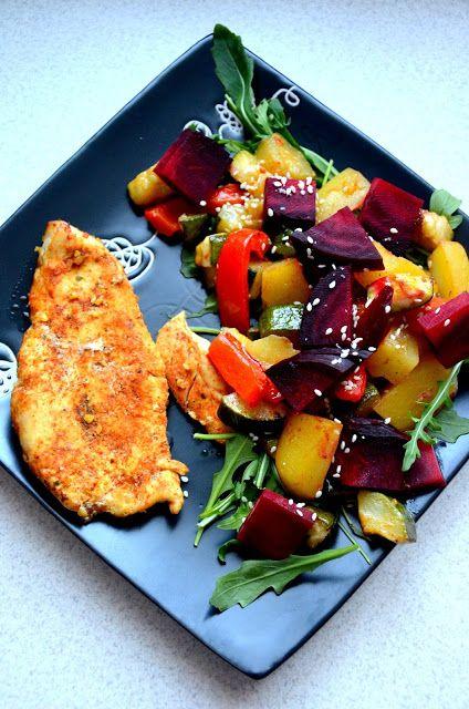 Filet z kurczaka z pieczonymi warzywami | Fit jest Git