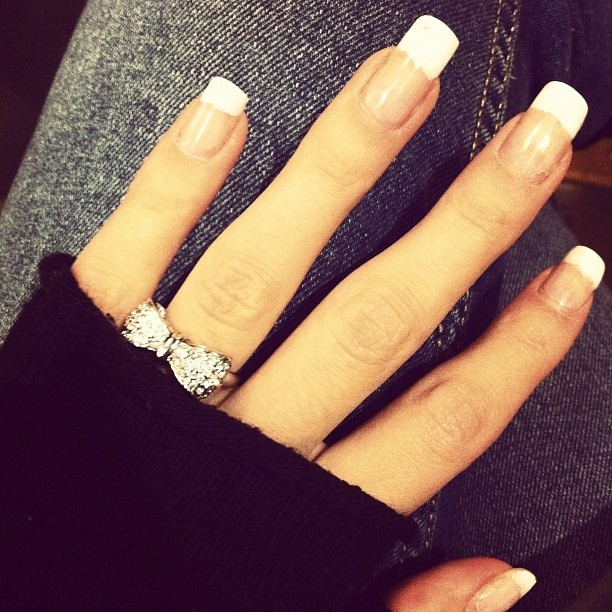 French manicure & cute bow ring