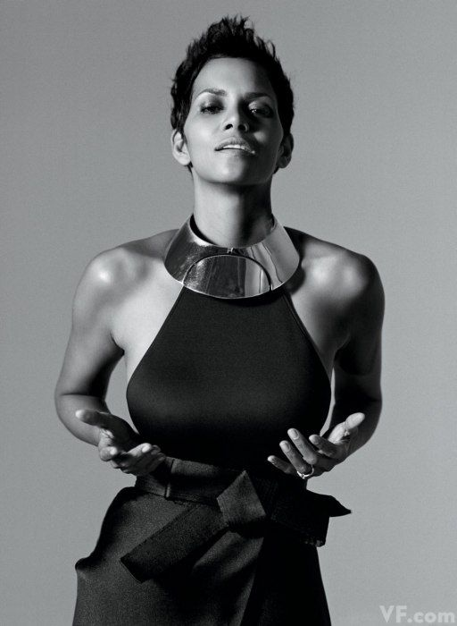 17 best images about halle berry on pinterest actresses halle berry and dorothy dandridge. Black Bedroom Furniture Sets. Home Design Ideas