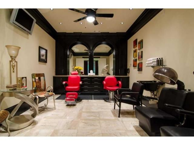 i can only dream. someday when i have my own home. for now its garage salon. ha!
