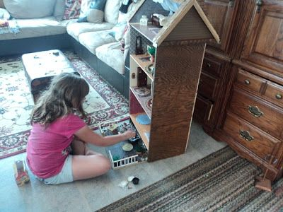 Dresser Turned Dollhouse Recycle Unwanted Furniture