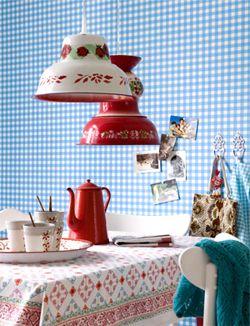DIY Lamp made of bowl #light #flowers - Lamp gemaakt van emaillen schaal #bloemen Kijk op www.101woonideeen.nl